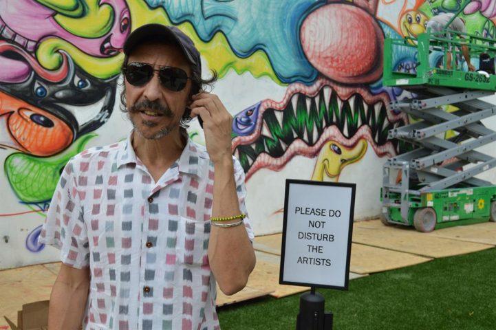 Carlos Quintana en galería de arte