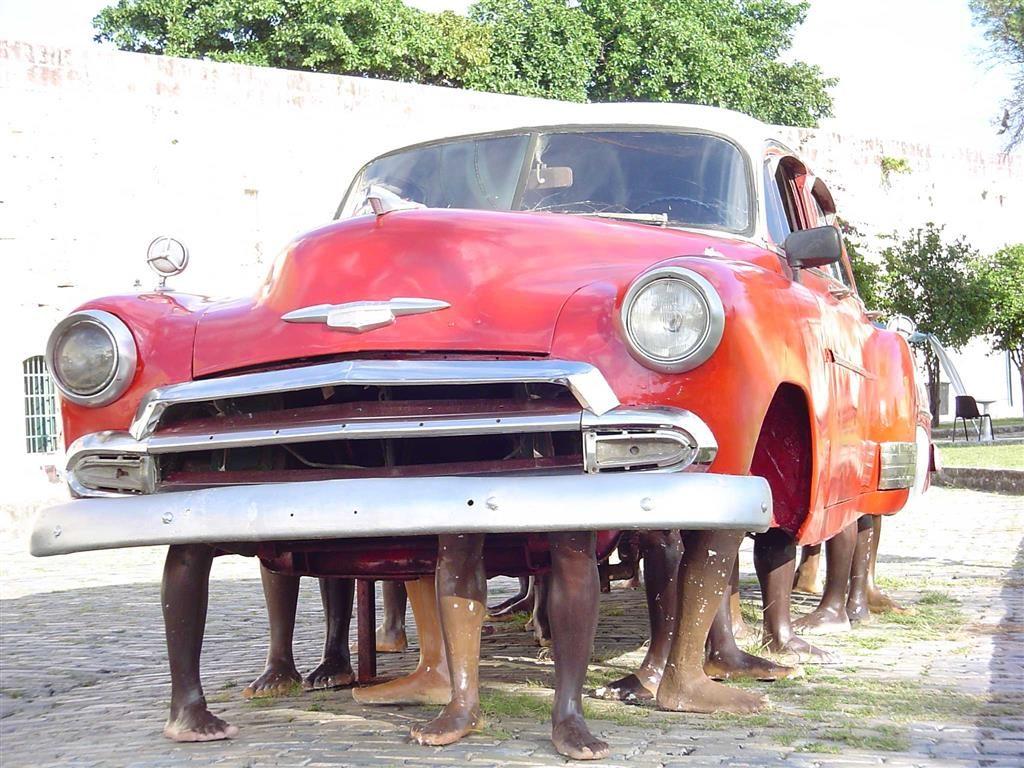 Octava Bienal de La Habana / 2003