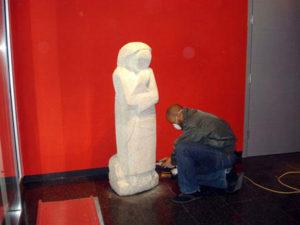 Montaje y organización de la primera exposición del Museum of Fine Cuban Arts / 2009