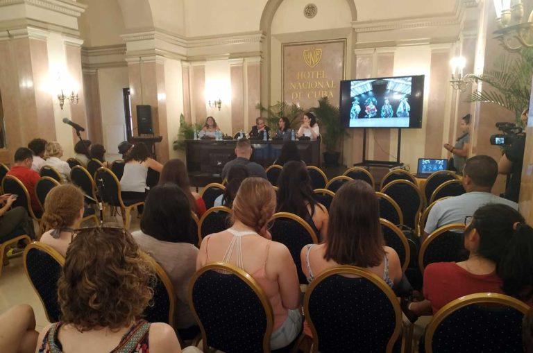 Coordinadores de la Bienal de La Habana se reúnen con la prensa acreditada