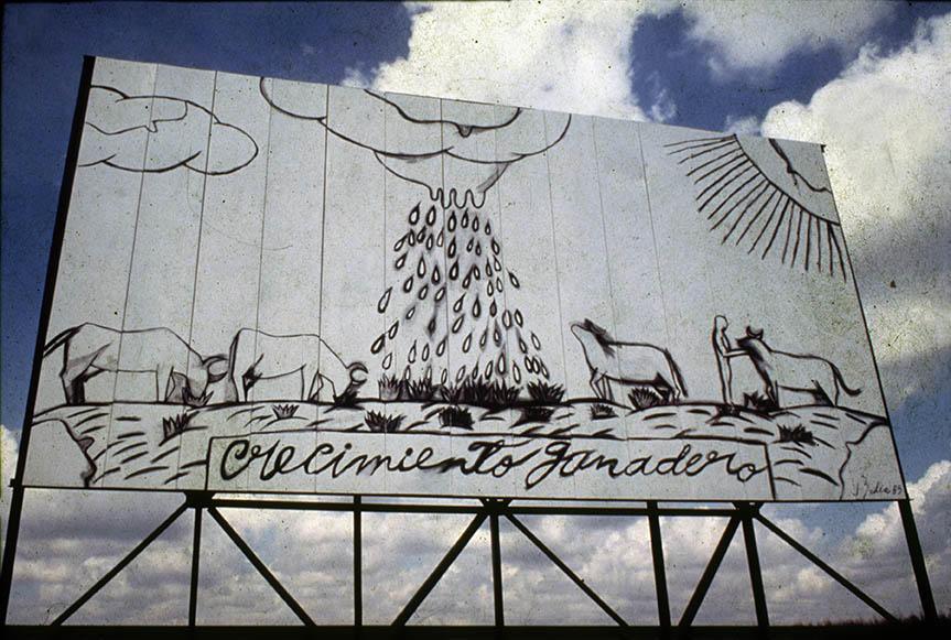 Arte en la carretera, 1985. Valla realizada por José Bedia. Autopista Nacional, Municipio Nueva Paz, La Habana. Foto: José A. Figueroa. Cortesía Estudio Figueroa-Vives
