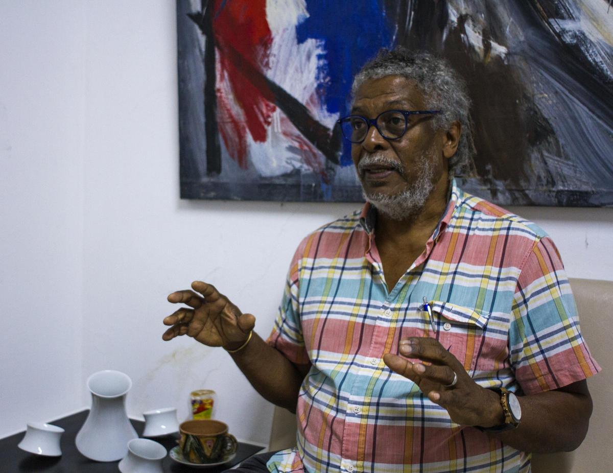 artista-escultor cubano Alberto Lescay