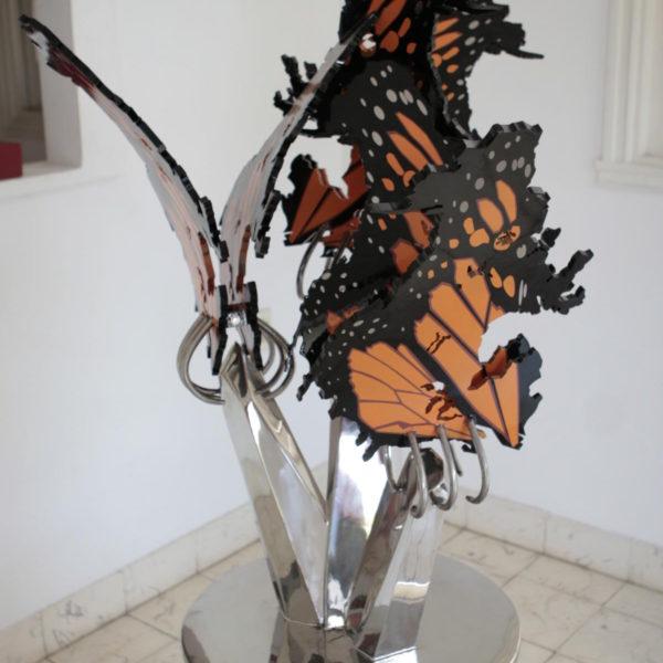 The Merger. Monarca.2011. Acero inoxidable pulido y policromado. 110 x 80 x 65 cm