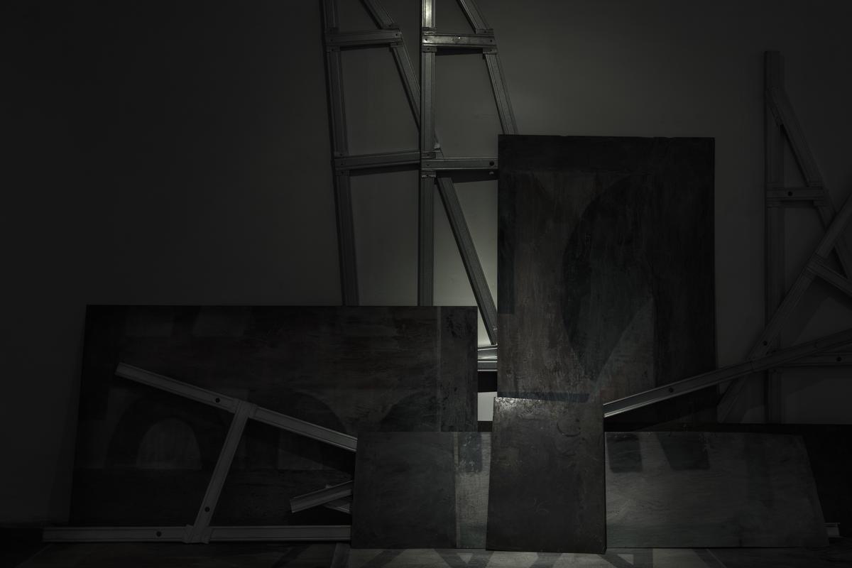 Monumento al hombre incompleto. 2018. Obra de su exposición en el Centro de Desarrollo de las Artes Visuales, La Habana.