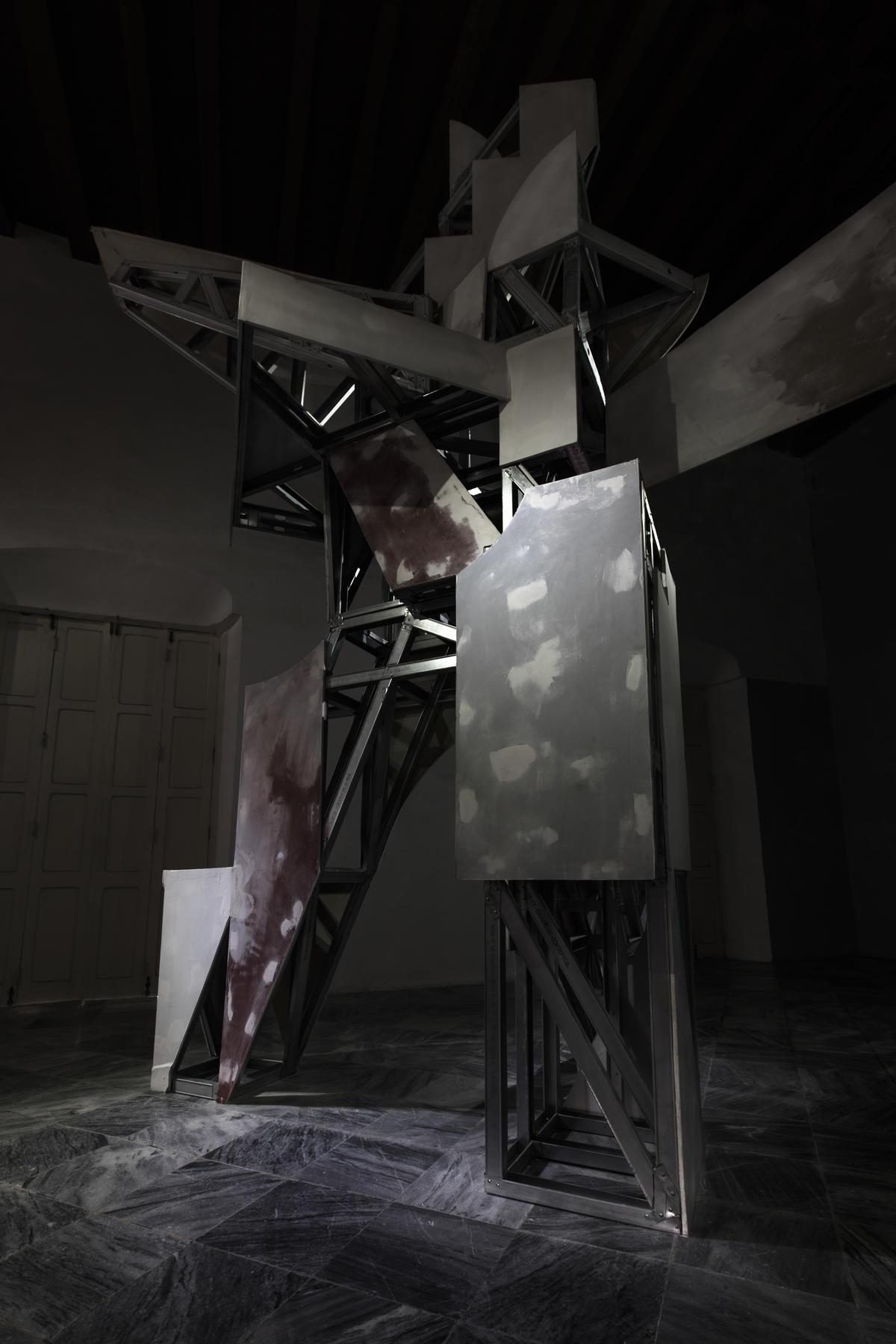 Monumento al hombre incompleto. 2018. Exhibida en el Centro de Desarrollo de las Artes Visuales.