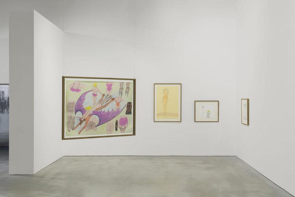 Vista de la exhibición Extravaganza (Centro de Arte Oliva, São João da Madeira, Portugal, 2019) con obras de la Colección Treger-Saint Silvestre (Portugal).