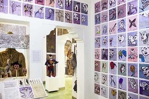 Un ángulo de la 1ra. Exhibición de la Colección Art Brut Project Cuba. RIERA STUDIO, La Habana, 2017.