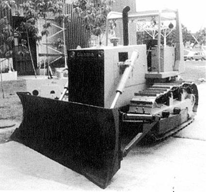 Bulldozer BRC/ 140. Diseño de 1989 por los profesionales L. Suárez, A. Fernández, R. Lastra, C. Pomar.