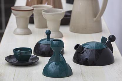 Deluna, conjunto de servicio de café, 1992. Diseño de Luis Ramírez.
