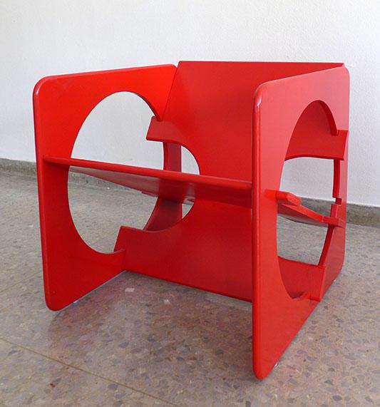 Butaca Yab Yum, 1970. Diseño de Heriberto Duverger. (Exhibida además en 2017 en la exposición El museo de las máquinas).