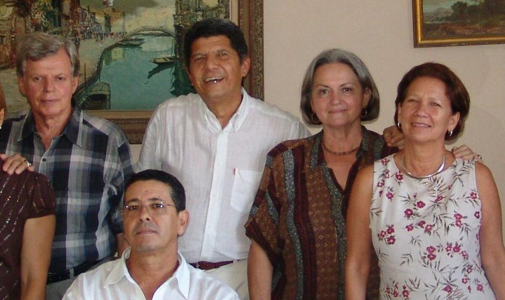 Encuentro de 2008 en La Habana. De izquierda a derecha: Mario Coyula, José A. Choy, Isabel Rigol, Julia León y Arturo Montoto (sentado).