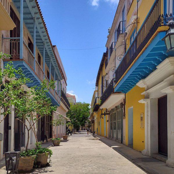 Calle Mercaderes, La Habana Vieja. Vista panorámica. (Foto: Evelyn Carnot Montes)
