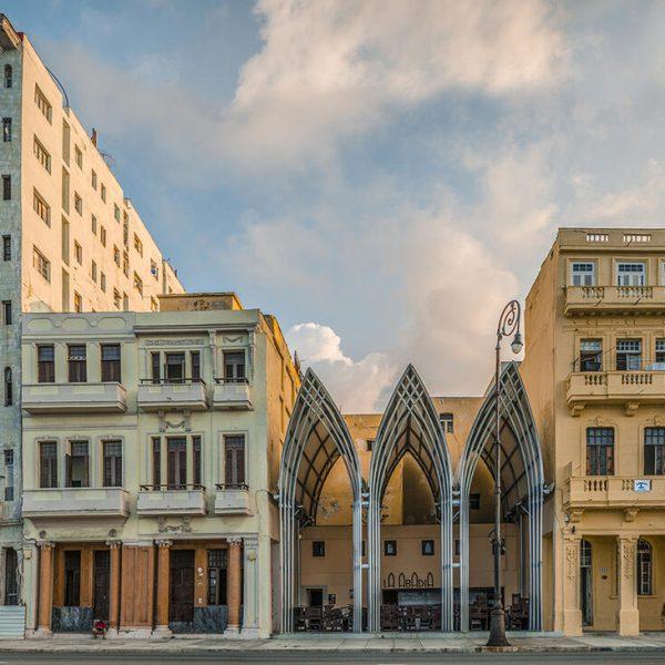 Cafetería La Abadía, en un punto del Malecón, La Habana. Propuesta del entonces Proyecto (e)spacios.