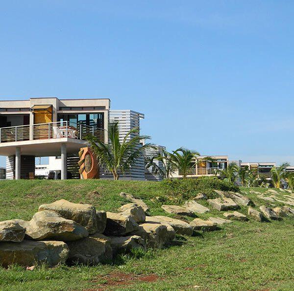 Cabañas del Río, en la zona del Mariel. DAG arquitectos.